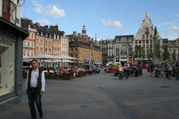 Visitez Lille en 2 CV d?capotable !  (Photo)