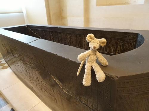 On trouve de tout au Louvre, comme à la Samaritaine