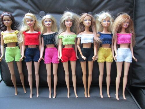 Tops et shorts pour barbie