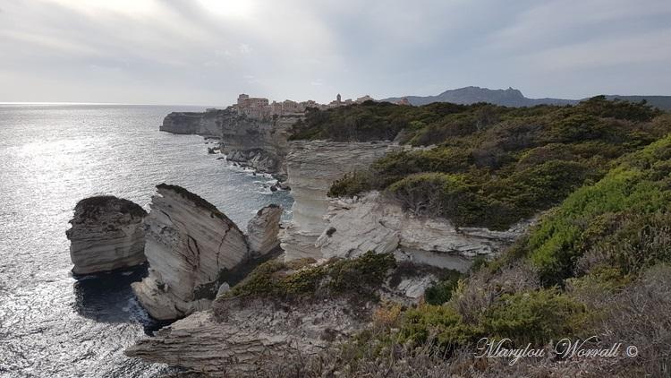 Corse : Bonifacio, balade hors les murs