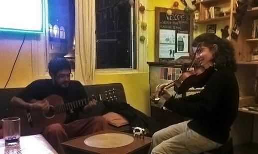 Carla et Bruno nous ont régalé toute la semaine à la guitarre et au violon