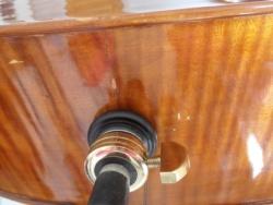 Un luthier à déconseiller....