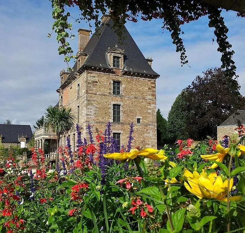 Château des Montgommery à Ducey