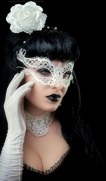 Tubes femmes masquées création 3