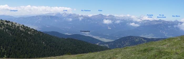 Panorama depuis le col au pied du Pic de la Pelade, du Roc Blanc, en Ariège, à la Cerdagne