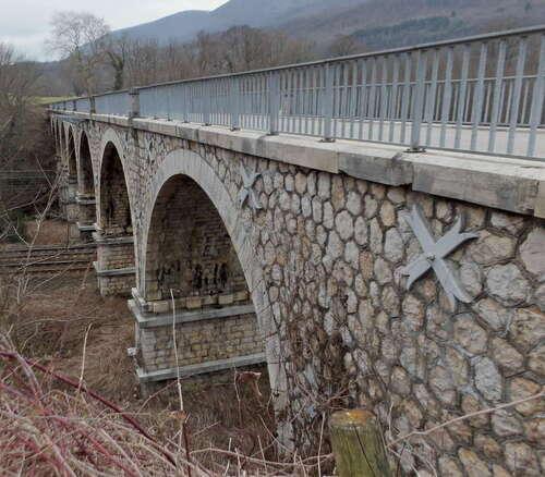 Le viaduc de Cheignieu-la-Balme