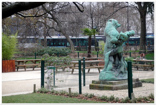 Paris. Le dénicheur d'Oursons