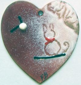 Création de bijoux en émail sur cuivre