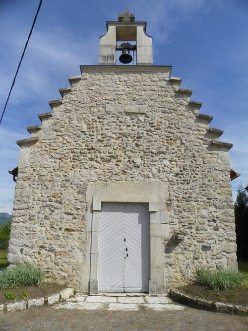La chapelle de Chemillieu défigurée ( 2 )