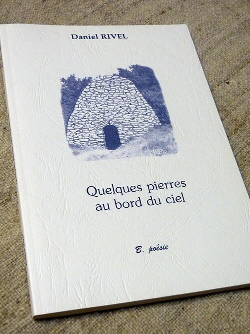 ''Quelques pierres au bord du ciel''. Bucdom Edition Culturelle. Octobre 2002.