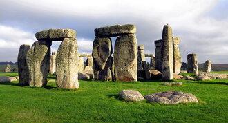 Stonehenge enfin élucidé... les scientifiques ont minutieusement étudié les gravures