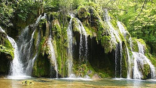 La-cascade-des-planches-a21284324