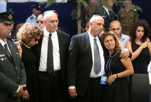 Chemi et Yoni Peres, les fils de Shimon Peres, lors de ses obsèques le 30 septembre au cimetière du Mont Erzl à Jérusalem  © MENAHEM KAHANA POOL/AFP