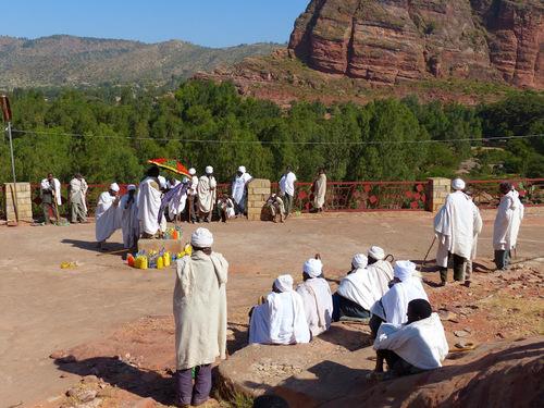 une fête religieuse se déroule au moment de notre visite