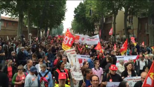 - Puissance de la manifestation à Paris, traitement scandaleux de l'information et... Casseurs au service de qui ?