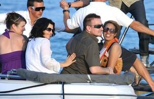 Bono de U2 s'offre une petite virée en amoureux au club 55 de Saint-Tropez !