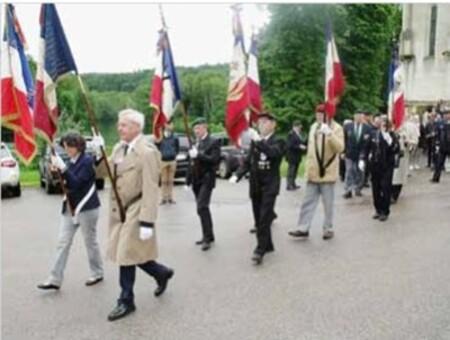 * Un vibrant hommage à Bertrand Châtel Capitaine de corvette