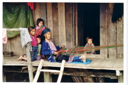 la vie dans les tribus du nord du Laos;