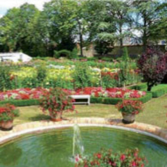 Jardins secret Berry-chateau-de-bouges-