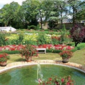 Jardins secret Berry-chateau-de-bouges-