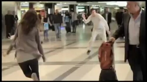 LIBAN. Seulement au Liban, Beirut Airport, with Dabke Dance (2011)  (Flashmob)