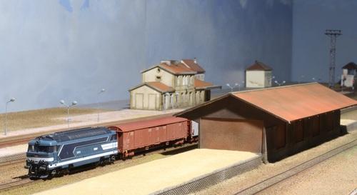Du diesel et une halle