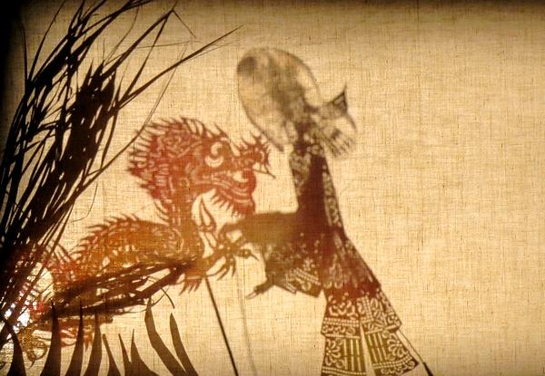 """""""Vivants Lézards"""", un spectacle vivant et ébouriffant, a éberlué les spectateurs salle Kiki de Montparnasse"""