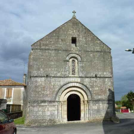 Jauldes, et son église.