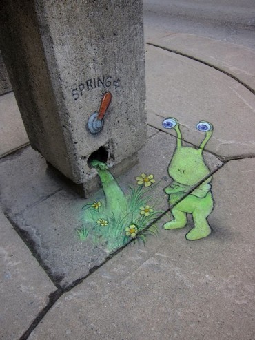 Calk-Art-by-David-Zinn-14-370x494.jpg
