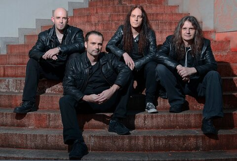 "BLIND GUARDIAN - ""Mirror Mirror"" (Clip live)"