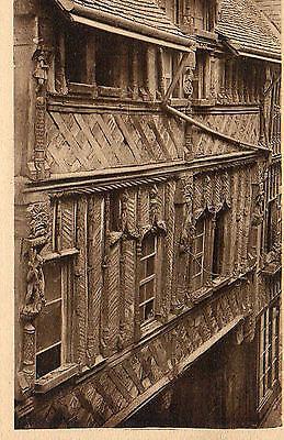 14-Lisieux-detail-du-manoir-de-la-Salamandre