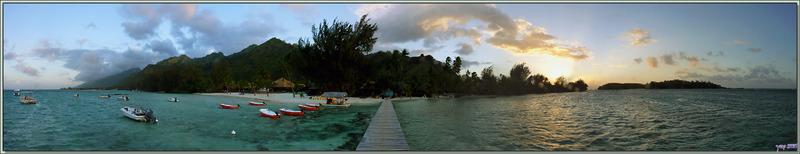 Panorama sur Moorea au coucher de soleil vu du ponton des Tipaniers - Moorea - Polynésie française