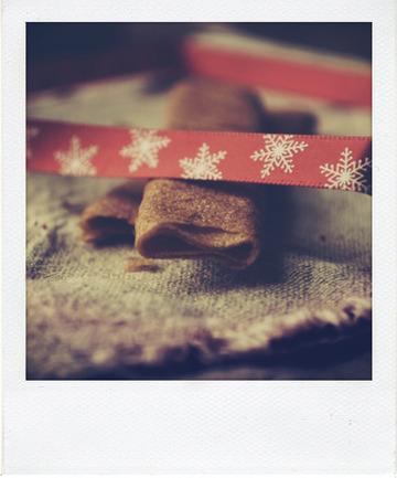 Tablette de chocolat au lait fourrée au praliné feuilleté