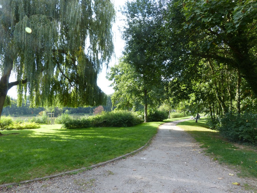 Le Parc de la Hotoie à Amiens, l'étang rond.