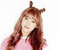 """WJSN's Luda """"Would You Like"""" promotional picture."""