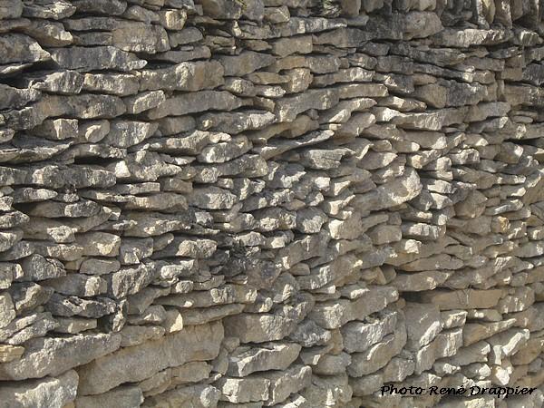 Murs en pierres sèches en Châtillonnais