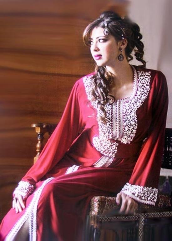 caftan marocain pas cher et haute couture pour mariage oriental un kaftan perlé moderne et chic de 2015 KAF-S849