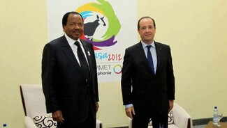 Avec Paul Biya, François Hollande poursuit la réception des dictateurs françafricains