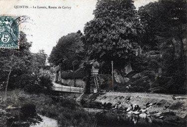 cartes-postales-photos-Le-Lavoir-Route-de-Corlay-QUINTIN-22