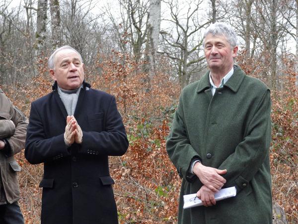 """""""Auprès de mon arbre, je vivrai heureux"""", c'est dorénavant la devise des Conseillers Municipaux de Maisey le Duc !"""