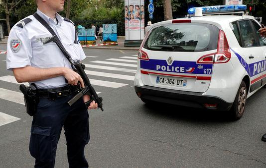 La police a fermé une partie du quartier desHalles, à Paris, durant plusieurs dizaines de minutes, samedi 17 septembre.