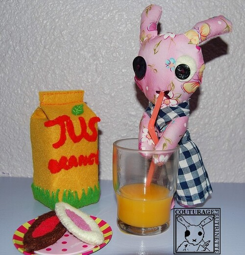 felt, orange juice, boat shaped tarts