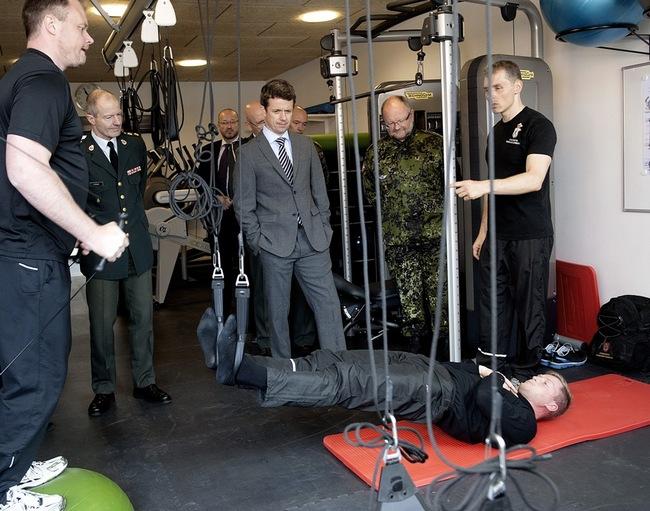 Frederik et les militaires blessés