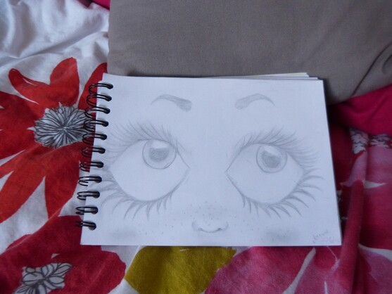 Yeux de doll kawaii