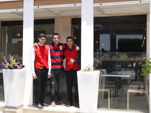 Le restaurant et nos gracieux serveurs