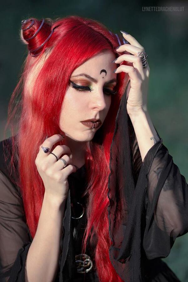Lynette Drachenblut, modèle