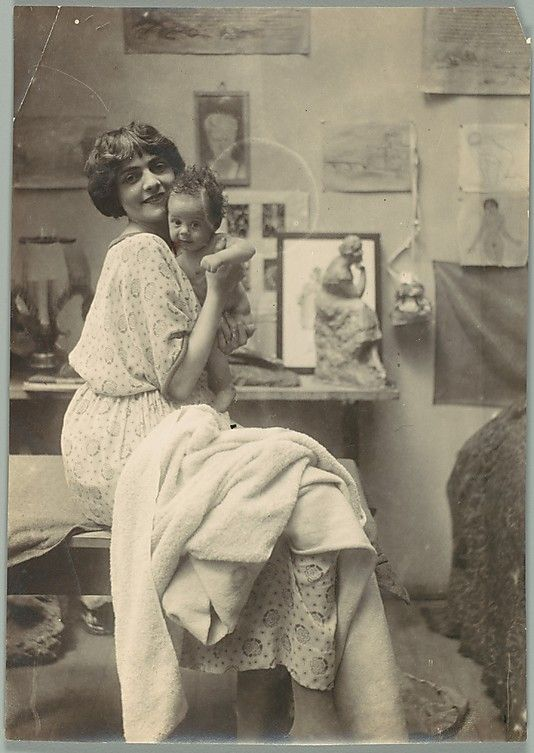 New Mom c.1900s she looks like Suzanne Valadon?: