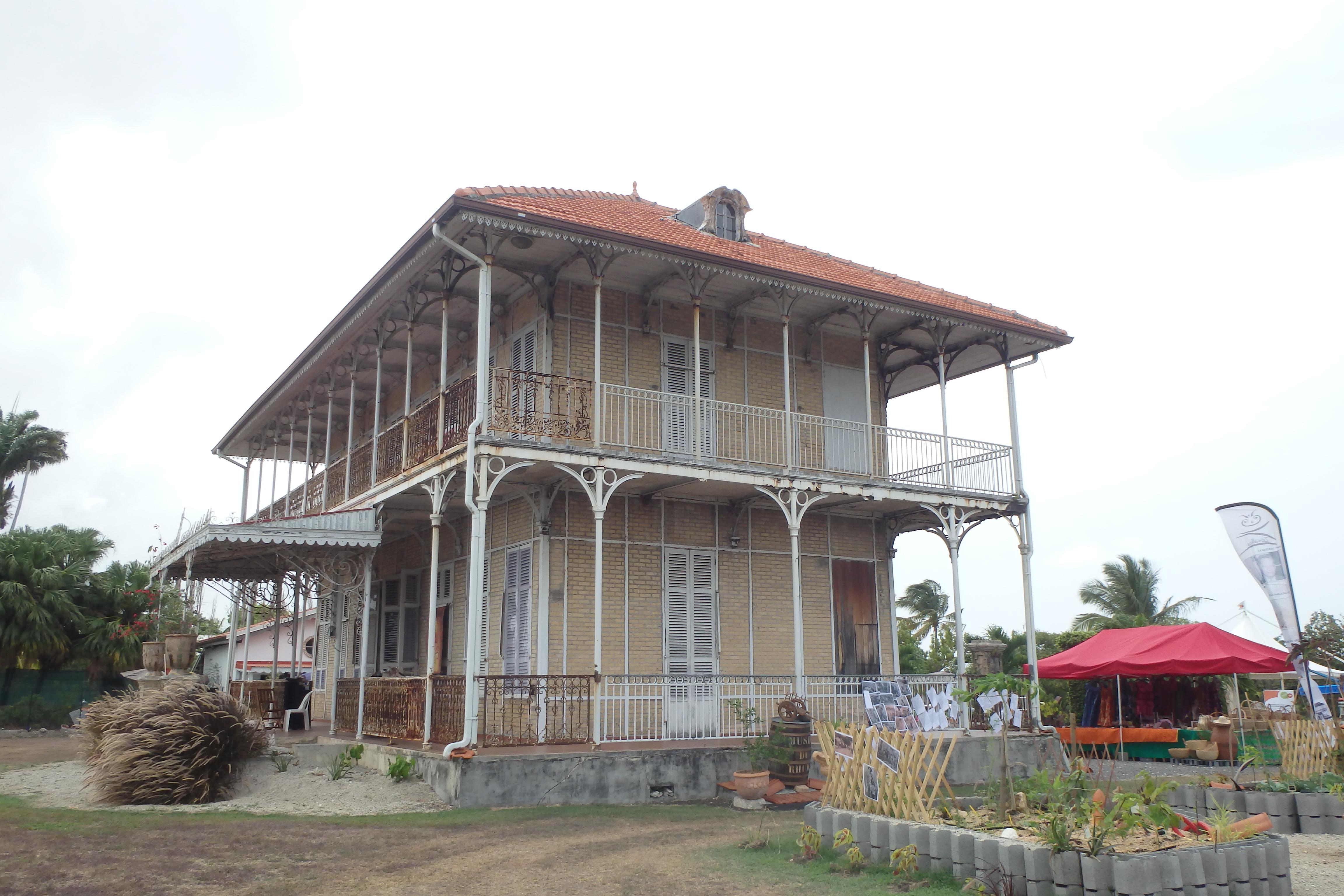 Visite de la maison hant de z vallos maison eiffel val for De ma maison