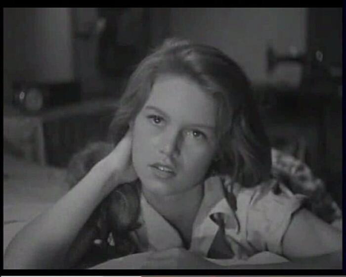 BRIGITTE BARDOT NUE - MANINA LA FILLE SANS VOILE 1953