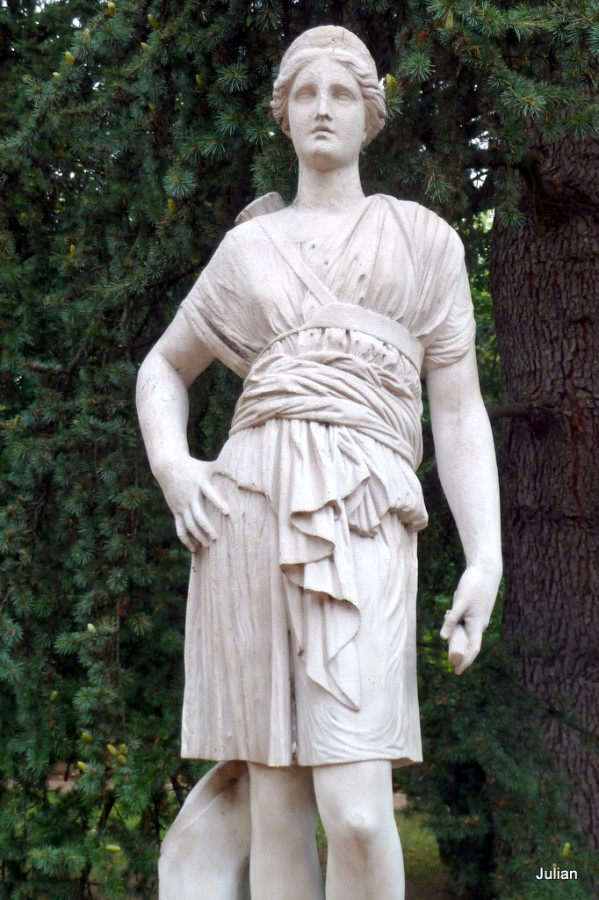 n24---Statue.JPG